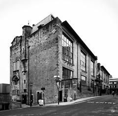 Glasgow School of Art (2011) (@archphotographr) Tags: architect charlesrenniemackintosh architecture artnouveau artsandcrafts archphotographr hassanbagheri hbarchitecturalphotography httphbarchitecturalphtography 2011 march uk scotland glasgow glasgowschoolofart ©hassanbagheri ©hbarchitecturalphotography canoneos50d efs1022mmf3545usm efs1022mm exterior historic classic icon gsofa prefire