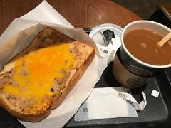 ピザトーストとブレンドコーヒー (96neko) Tags: snapdish iphone 7 food recipe tullyscoffeetullyscoffee新宿二丁目店