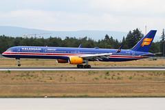 TF-ISX Icelandair B753 (twomphotos) Tags: plane spotting fra2 eddf icelandair boeing b753 landing 25r speciallivery bestofspotting colorfullspecial independance 100 logojet blue