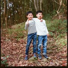 000913060010 (Steven Tsai (正港蔡爸)) Tags: hasselblad501c hasselblad planar135f100mm fujifilmpro160ns mediumformat analog film filmphotography