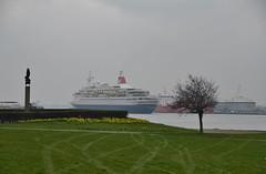 Boudicca (Hugo Sluimer) Tags: boudicca fredolsen cruiseship cruise cruises cruiser portofrotterdam port haven nlrtm onzehaven vlaa neder zuidholland holland scheepvaart fredolsencruiseline