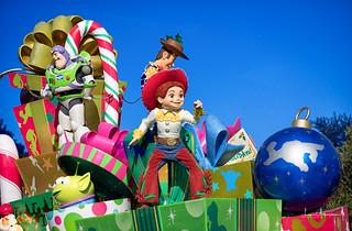 Tokyo Disneyland 2017 74 - Jessie Rocks @ Christmas Stories Parade