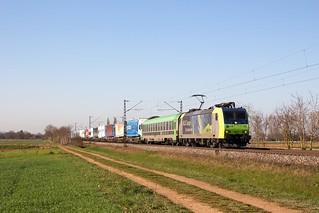 BLS 485 012 mit einer Rola nach Freiburg bei Hügelheim
