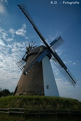 Windmühle / Windmill (R.O. - Fotografie) Tags: windmühle windmill südhemmern kreis minden lübbecke alt old outdoor baluer himmel blue sky wolken clouds rofotografie panasonic lumix dmcfz1000 dmc fz1000 fz 1000