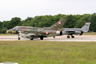 3509 - Sukhoi Su-22M4 Fitter - 7 ELT, Polish AF & XZ107/FH - Sepecat Jaguar GR3A - No. 41(F) Squadron, RAF