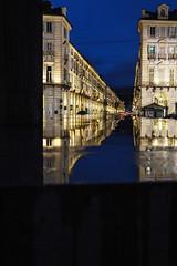 Come una finestra - Like a window. (sinetempore) Tags: comeunafinestra likeawindow torino turin pioggia rain riflesso reflections reflex acqua water viapo luci lights sera evening