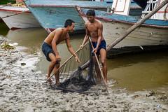 La red (Nebelkuss) Tags: myanmar mandalay asia birmania burma puerto harbour rio river irrawady fujixt1 fujinonxf1855