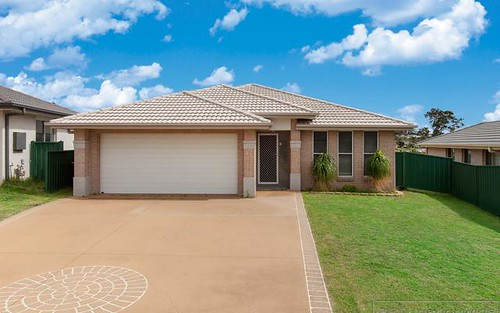 6 Mileham Cct, Rutherford NSW