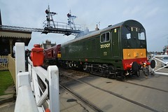 "Main Line Certified Class 20/0's, 20007 & 20142 ""Sir John Betjeman"" (37190 ""Dalzell"") Tags: br britishrailways green londontransport linedmaroon ee englishelectric type1 whistlingwardrobe chopper class20 class200 20007 d8007 20142 sirjohnbetjeman d8142 dieselgala nvr nenevalleyrailway wansford"