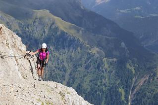 Steep climbing along a fixed rope