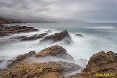 Playing with the waves IV. (Ernest Bech) Tags: catalunya girona altempordà llançà strom tormenta aigua water mar sea landscape longexposure llargaexposició