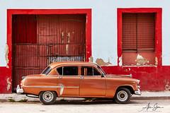 La Maquina del 53 (Gibara, Cuba 2012) (Alex Stoen) Tags: classic cuba gibara horizontal maquina travel framed old