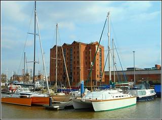 Hulls Old Railway Dock ..