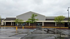 Former Sears Hardware (Vernon, Connecticut) (jjbers) Tags: vernon connecticut may 19 2018 former sears hardware closed vacant abandoned