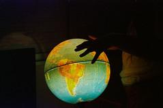 Around the world (Diego Leon y Bethencourt) Tags: kodak colorplus 200 canon eos 300 ef 28 90 patones torrelaguna chinchon madrid atazar mercados analogico film