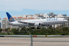 N76064 (Hector A Rivera Valentin) Tags: n76064 united airlines boeing 767400 767 sju tjsj airport international sky planeporn puerto rico