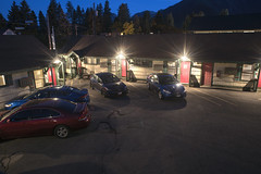 Evergreen Inn (Curtis Gregory Perry) Tags: leavenworth washington evergreen inn motel night parking lot long exposure nikon d810