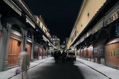 Ponte Vecchio at night (rob.brink) Tags: florence italie italy firenze city urban architecture europe ponte vecchio night bridge river arno jewel gold smith goldsmith jeweler exposure