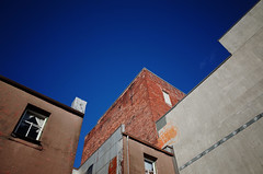 Every blue sky (Eric Flexyourhead) Tags: vancouver canada britishcolumbia bc chinatown courtyard building buildings old vintage retro sky clear blue bluesky blueskies ricohgr