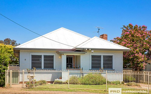 9 Sale Street, Tamworth NSW