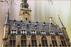 Stadhuis, Veere, Walcheren, Zeelande, Nederland (claude lina) Tags: claudelina nederland hollande paysbas zeelande zeeland veere stadhuis hôteldevilleveere beffroi