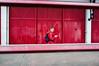 Bristol #5# (Julien.Rapallini) Tags: bristol england uk april avril royaumeuni angleterre brexit spring printemps phone téléphone man boy garçon homme musique music walk mur wall red rouge