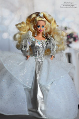 Kristall 01 (Lindi Dragon) Tags: barbie doll mattel superstar holiday 1992 happy silver dress