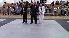 Winner! (BLLLCCC) Tags: bjj winner victory vitória jiujitsu lutas fight sports esporte martialarts barefoot descalça tatame referee arbitro público girls teens public female feminino