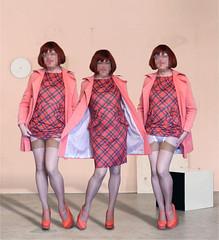 Robe imprimé écossais (sophie_bas_nylons) Tags: combinaison ny satin slip sexy lingerie nylon bas cougar mature tranny travestie robe jolie vintage flasher exhib stockings sopbie coquine salope
