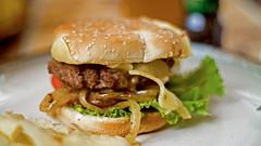 burger hungry (Bernal Saborio G. (berkuspic)) Tags: homemade burger hamburger gourmetburger supertakumar50mmf14 depthoffield bokeh sonyalpha vintagelens manuallens manualfocus foodstyling