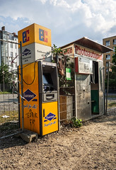 20180531-004 (sulamith.sallmann) Tags: technik automat berlin bernauerstrase deutschland fotoautomat geldautomat mitte sulamithsallmann