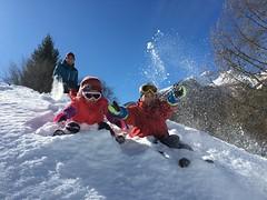 Caldo inverno (biofafoto) Tags: soliva felicità gioia giochi famiglia neve foto fabio cesalli