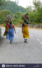 GFG3X9 (Matriux2011) Tags: barefoot dirtysoles cracksoles indian nepali barefootextreme talonescurtidos piesrajados