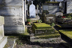 Paris (zmotoly) Tags: paris france february février cimetière père lachaise cemetery