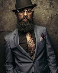 Model: @blvckb3vrd (NMB_Photogarphy) Tags: wall indoor studio glasses beard hat suit boy guy man canon photoshop art retrato portrait photography photographer germany düsseldorf meilan pablo