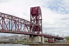 r_180521096_beat0042_a (Mitch Waxman) Tags: eastrivershoreline rooseveltisland rooseveltislandbridge newyork