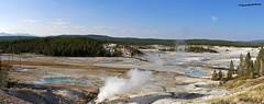 Panoramic of YellowStone National Park (pniselba) Tags: usa estadosunidos wyoming yellowstone nationalpark parquenacional yellowstonenationalpark parquenacionalyellowstone géiser geysir geyser geiser