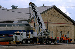 Heave! (Jeff Carlson_82) Tags: slrg 512 fulldome dome budd atsf santafe bnsf burlingtonnorthernsantafe leaser leased crane lift truck truckwork shops topeka ks kansas businesscar trackmobile workers people employees
