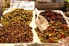 Genova, Mercato Orientale, Oliven (olives) (HEN-Magonza) Tags: genua genova genoa ligurien liguria italien italy italia viaxxsettembre mercatoorientale markt market oliven olives