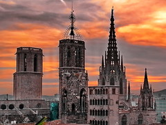 Barcelona Barrio Gótico Sunset (gerard eder) Tags: world travel reise viajes europa europe city ciudades cityscape cityview españa spain spanien städte street stadtlandschaft sunset sonnenuntergang barcelona barriogotico skyline sacral sacralbuilding puestadesol atardecer church iglesia kirche cathedral catedral kathedrale outdoor