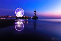 Silver wheel (Katja van der Kwast) Tags: scheveningen 2018 beach reflection sea sunset seascape longexposure strand zee reuzenrad reflectie blauw blue zon zonsondergang pier netherlands