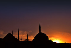sunset on Istanbul (Harry Szpilmann) Tags: istanbul sunset mosque turkey streetphotography
