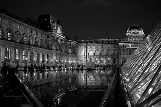 Le Louvre by Night (black & white)