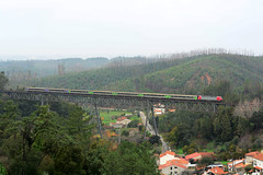 CP 5600 (Nelso M. Silva) Tags: ic 5600 siemens euro sprinter carruagens corail intercidades beira alta luso buçaco ponte