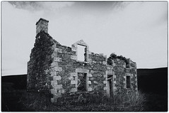 Todstone. On its Tod Sloan. (James_at_Slack) Tags: aberdeenshire abandoned decayed derelict ruraldecay ruralexploration abandonedplaces lumsden todstone bw jamesdyasdavidson