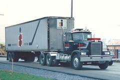 "Diamond Reo ""Giant"" (PAcarhauler) Tags: diamondreo semi truck trailer tractor"