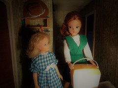 2/5 The secret in the cooler (CooperSky) Tags: sindy ice box cooler from sunlounger accessories 1977 is wearing pretty pinny 1975 quick curls skipper