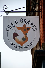 Pub sign for the Fox & Grapes, Nottingham. (Peter Anthony Gorman) Tags: foxgrapes pubsigns nottinghampubs sneinton