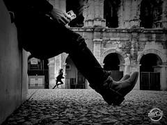 StreetPhoto - Nîmes (davcsl) Tags: street streetphotography urbanstreet antiquité architecture art arenes arena amphithéatre blackwhite bw biancoenero child childshappiness davcsl europe france fille fillette gard nimes nîmes jesoutiensnîmes jesoutiennîmes languedocroussillon monochrome monotones noiretblanc noiretblancblackwhite nb occitanie southoffrance people romain romains roman urban passion award streetpassionaward blackandwhitephotosonly photographiederue fotografiadistradafotografía callejerastrassenfotografie толькочернобелыеq