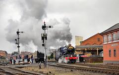 6023 running round its train at Kidderminster (davids pix) Tags: 6023 king edward ii smoke steam kidderminster station severn valley railway preserved gwr locomotive 2018 17032018